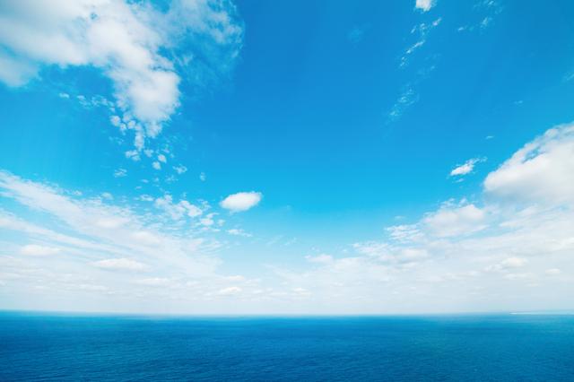 青い海と空は毛穴ケアにいい