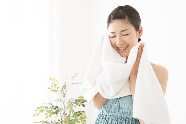 朝の洗顔スキンケア