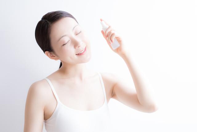 イチゴ鼻に化粧水