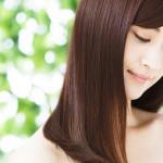 毎日を憂鬱にさせる白髪の原因とは?白髪を増やさない対策方法