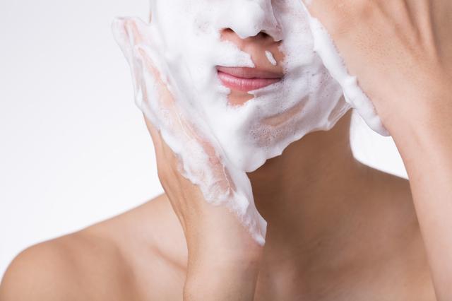 クレンジングと洗顔