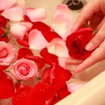 自宅でバラ風呂!?ローズの作用で美容効果をアップさせる方法